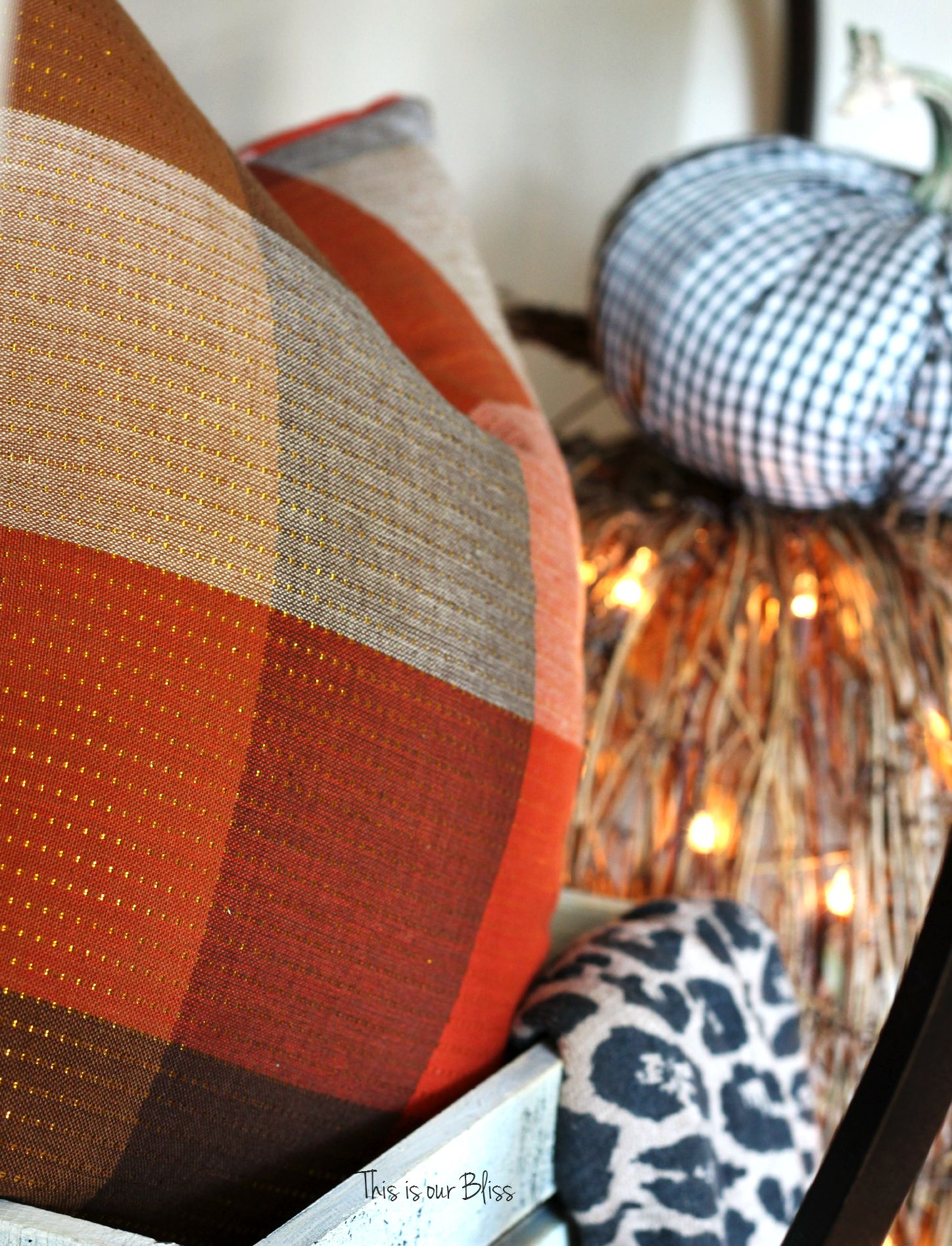 DIY fall throw pillows with cloth napkins Fall entryway fall table linens Fall decorating Gold + plaid This is our Bliss