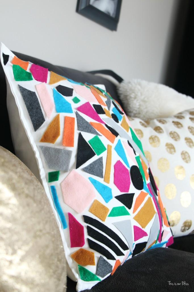How To Diy No Sew Felt Pillow World Market Knock Off