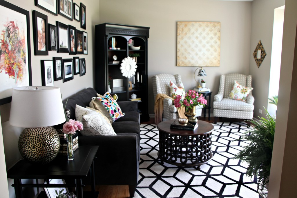Summer Home Tour | Summer styled living room | bold pop of color | Summer Eclectic Home Tour | This is our Bliss | www.thisisourbliss.com
