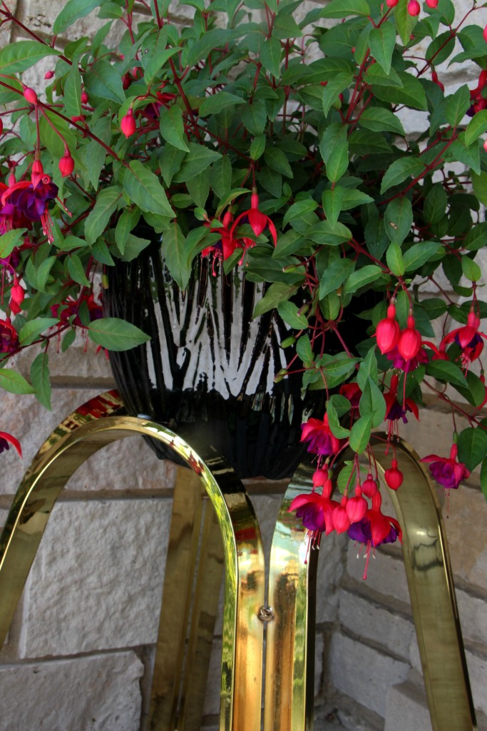 Summer Home Tour summer styled front porch Brass plant stand black pot Eclectic summer home tour This is our Bliss www.thisisourbliss.com