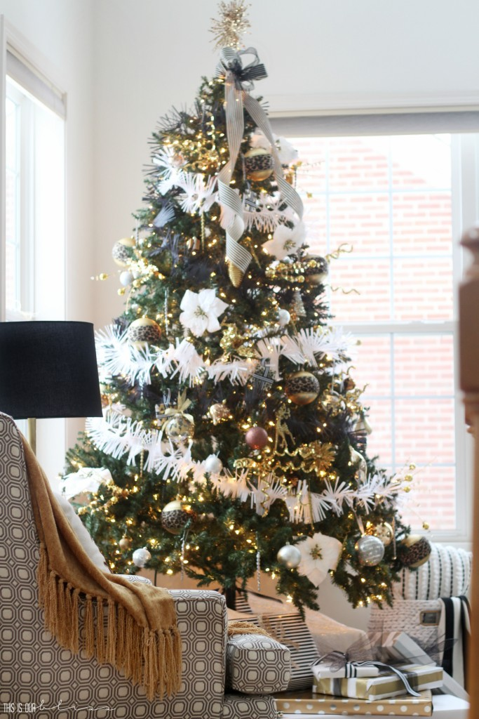 A Merry and Metallic Christmas Home   12 Days of Holiday Homes Tour 2016: This is our Bliss Christmas Living Room   Neutral Glam Christmas Living Room with Black Front Door    www.thisisourbliss.com