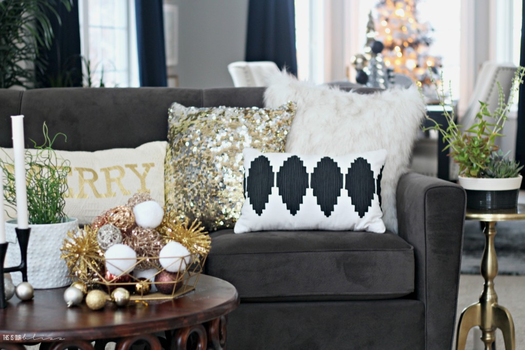 A Merry and Metallic Christmas Home | 12 Days of Holiday Homes Tour 2016: This is our Bliss Christmas Living Room || www.thisisourbliss.com